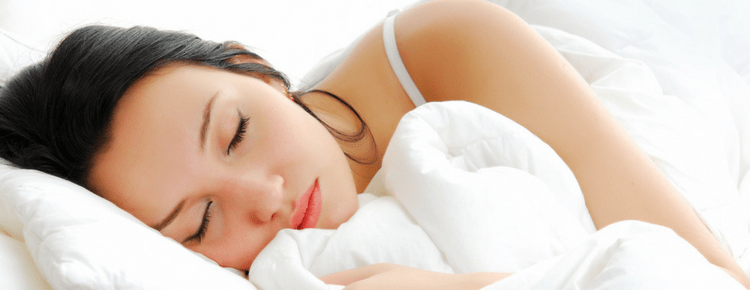 Fight Wrinkles In Your Sleep With These Skincare Tips